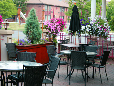 Delmonicos Outside Patio